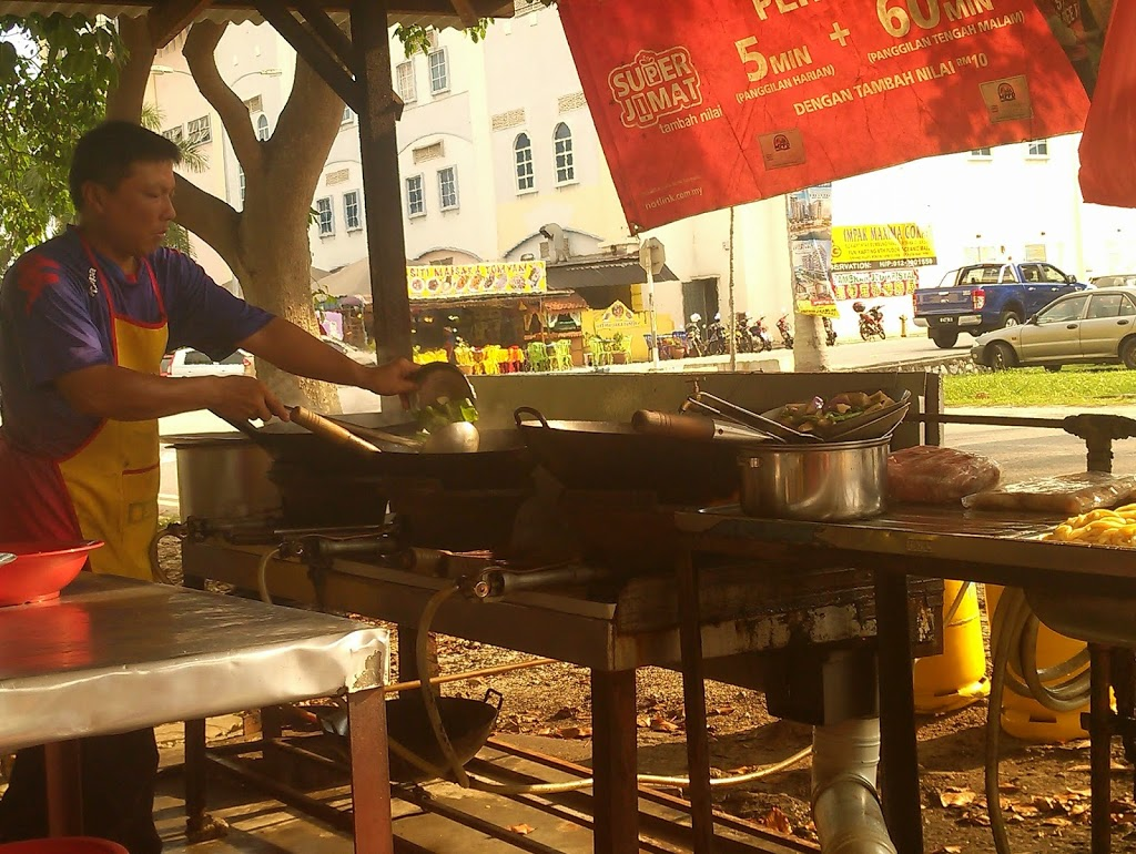 Langkawi to JB sailing blogs: Live cooking show in Port Dickson.