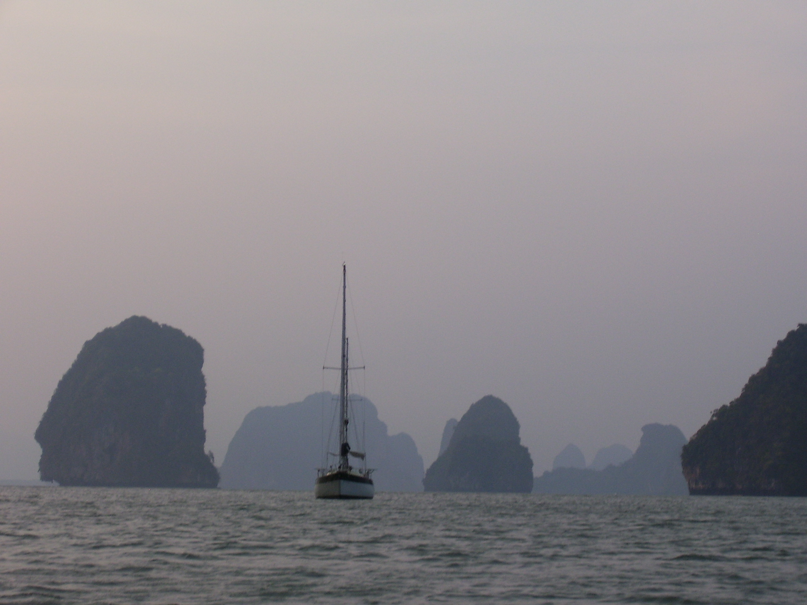 Travel in Thailand: Yana de Lys anchored in Phang Nga Bay